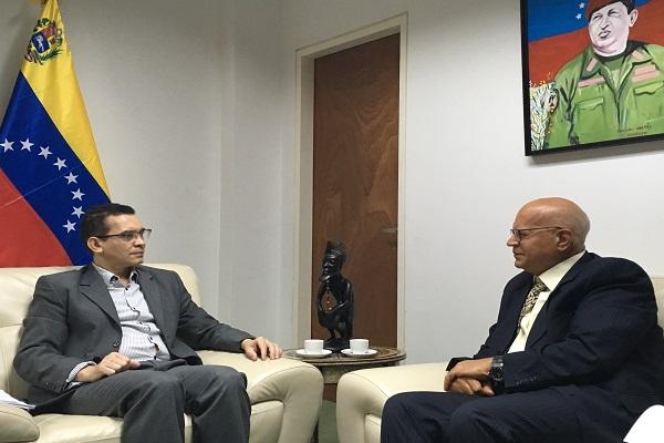 encuentro-vicemininistro-reinaldo-bolivar-y-embajador-de-egipto