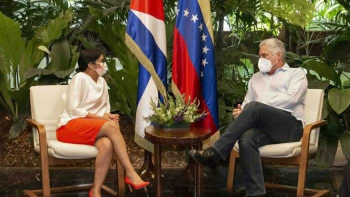 Vicepresidenta Delcy Rodríguez inicia visita de trabajo en Cuba