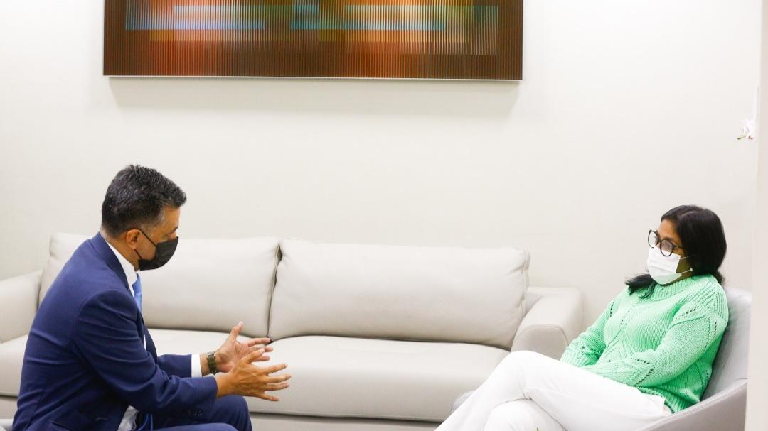 Vicepresidenta Delcy Rodríguez se reúne con el Secretario Ejecutivo del ALBA-TCP