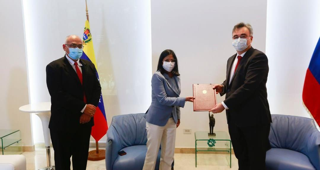 Venezuela firma contrato con Rusia para adquirir dosis de la vacuna Sputnik V