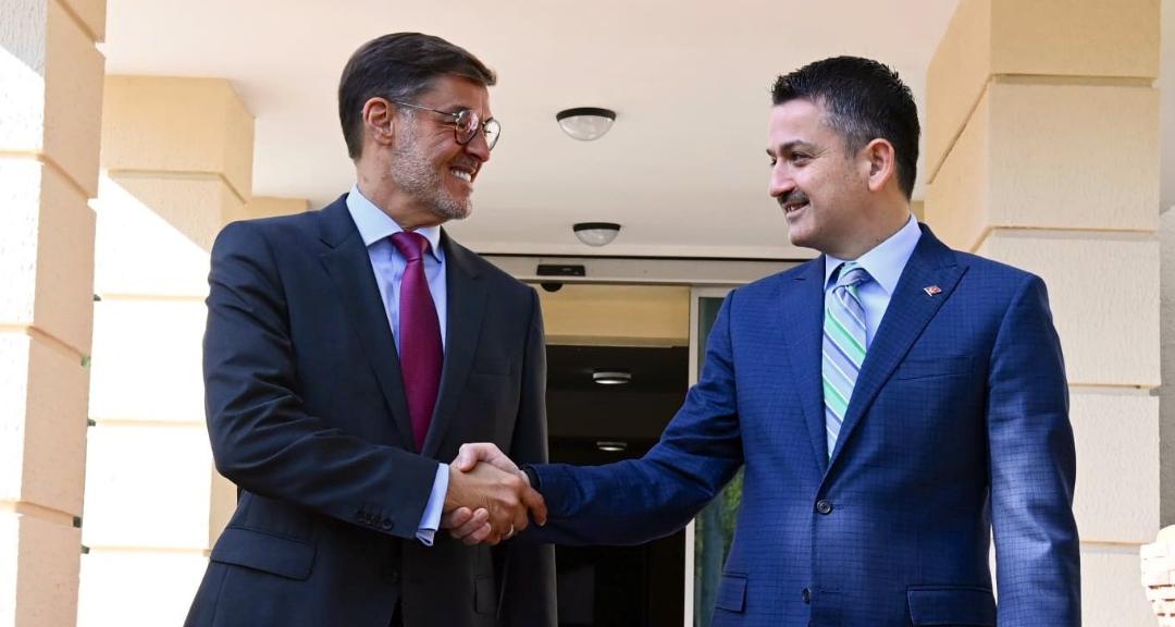 Canciller Plasencia se reúne en Ankara con Ministro de Agricultura de la República de Turquía