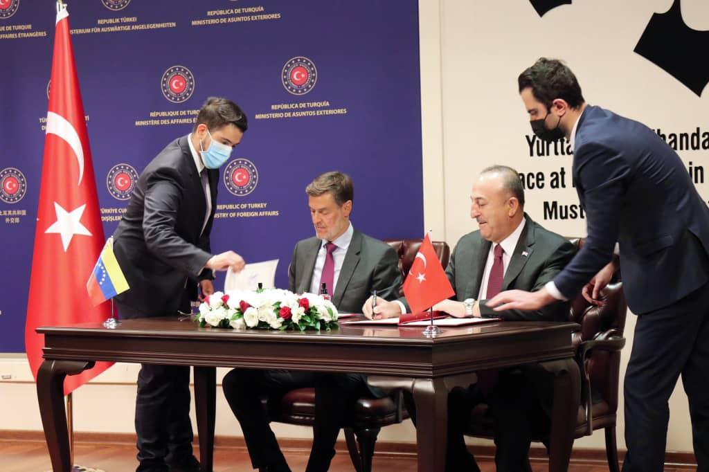 Venezuela y Turquía suscriben tres nuevos acuerdos de cooperación bilateral