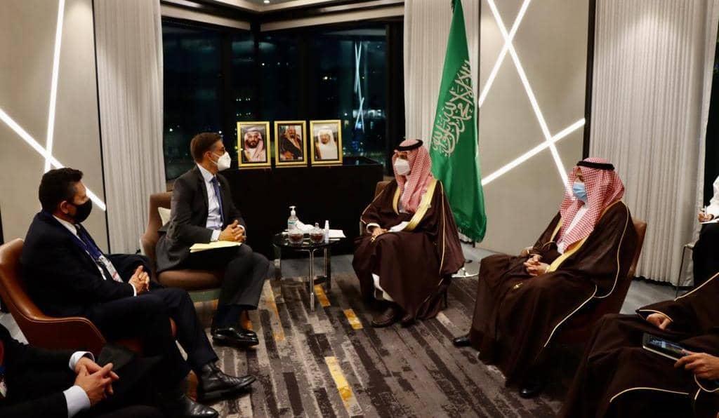 Venezuela y Arabia Saudita sostienen encuentro bilateral en el marco de la reunión del Mnoal