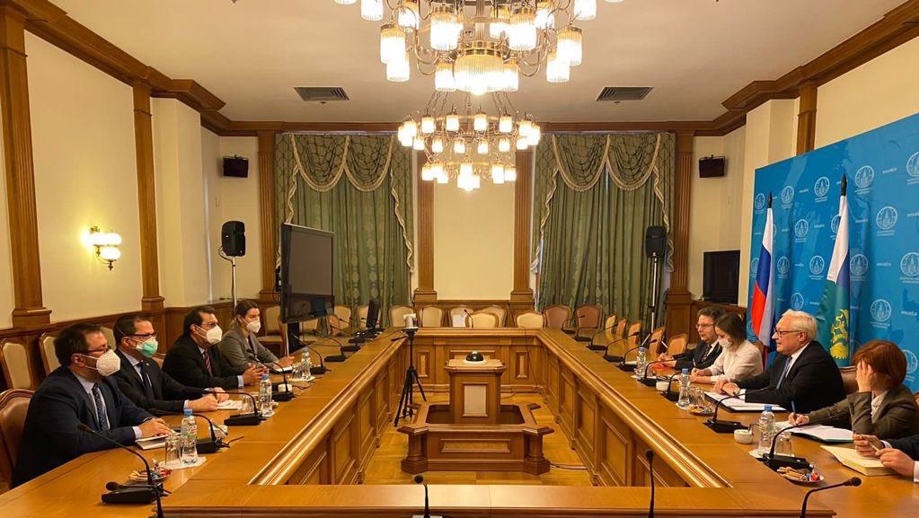 Visita de Adán Chávez a Moscú fortalece relaciones entre Rusia y Venezuela
