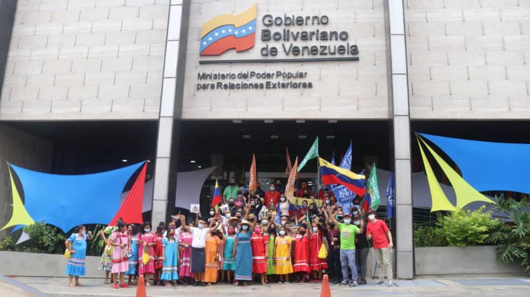 Cancillería conmemora el Día de la Resistencia Indígena