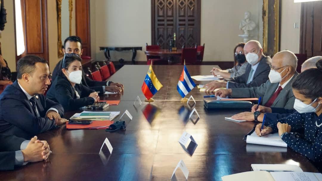 Cuba y Venezuela realizan seguimiento a proyecto conjunto en telecomunicaciones
