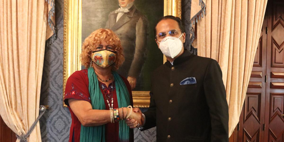 Viceministra Capaya Rodríguez sostiene encuentro de trabajo con Embajador de la India